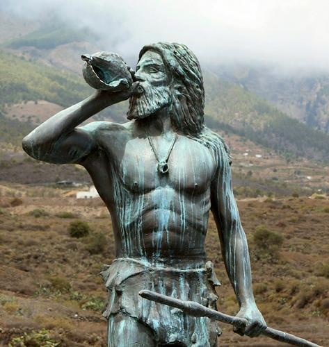 Estatua-de-Guanche-Flickriver-nigelallinson
