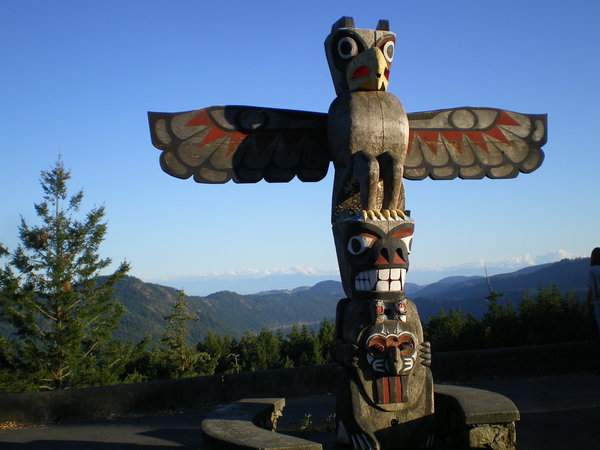 Eagle_Totem_by_Vogue_Bullets