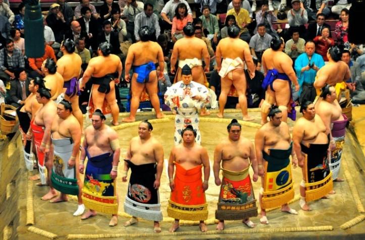 sumo-dohyo-759x500