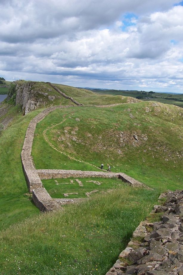 800px-milecastle_39_on_hadrians_wall_2